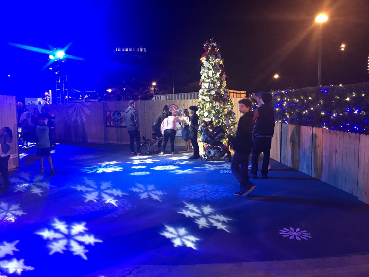 The Christmas Tree Trail, #DisneySprings ~ Photos 1