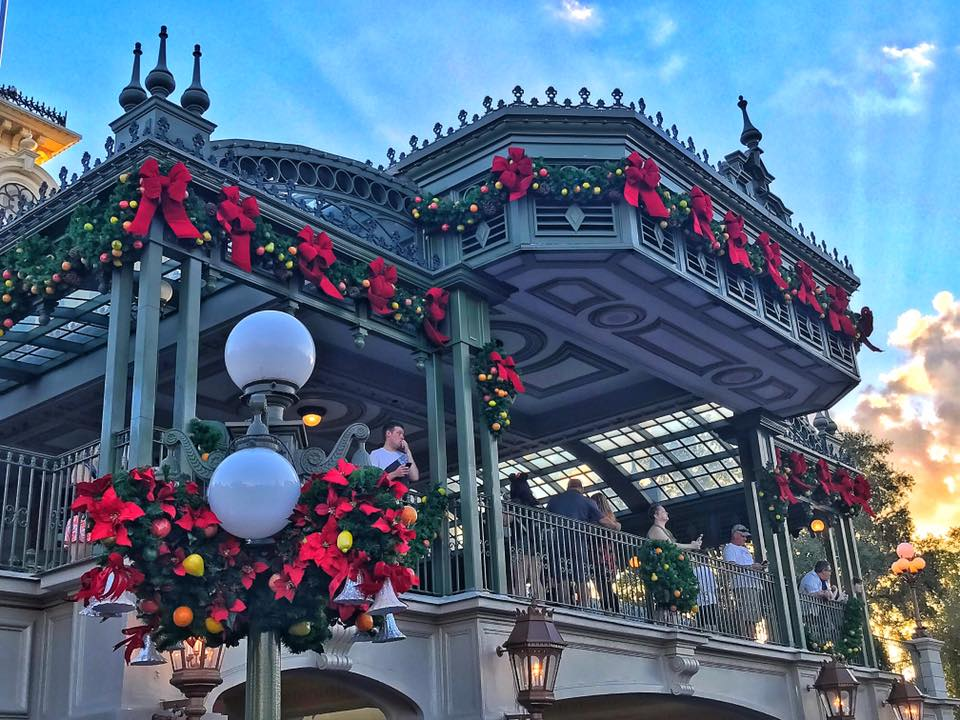 It's Beginning to Look a lot Like Christmas..... at the Magic Kingdom! (photos) 2