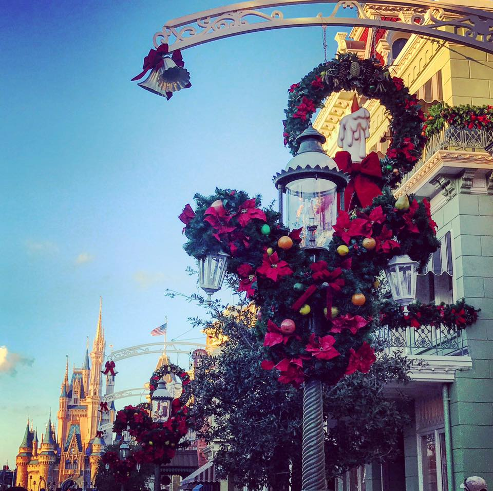 It's Beginning to Look a lot Like Christmas..... at the Magic Kingdom! (photos) 4