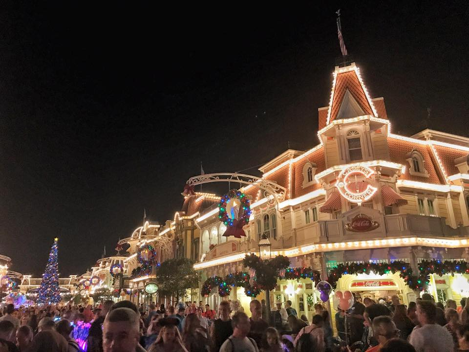 It's Beginning to Look a lot Like Christmas..... at the Magic Kingdom! (photos) 12