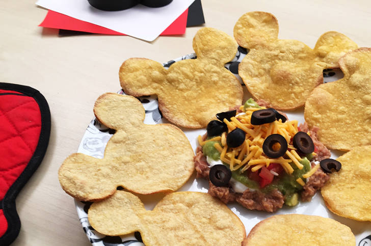 Weekend Snack Idea ~ Mickey Mouse Nachos 1