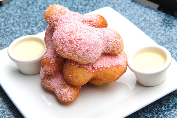 Peppermint Beignets at Mint Julep Bar in Disneyland Park