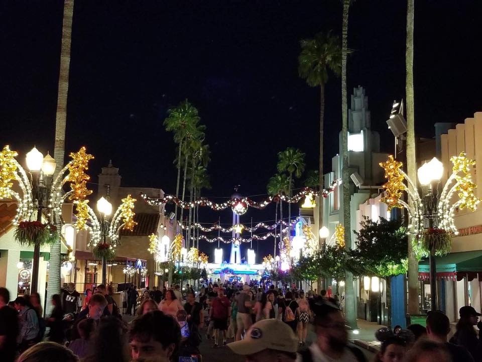 Christmas Decorations hit Disney's Hollywood Studios! Pics below! 4