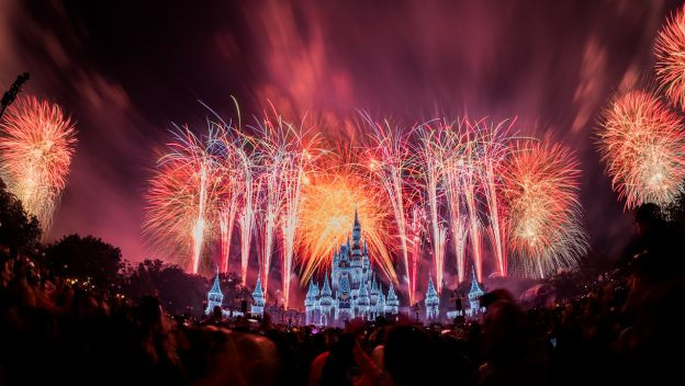 #DisneyParksLIVE: Watch New Year's Eve Fireworks From Magic Kingdom Park December 31 1