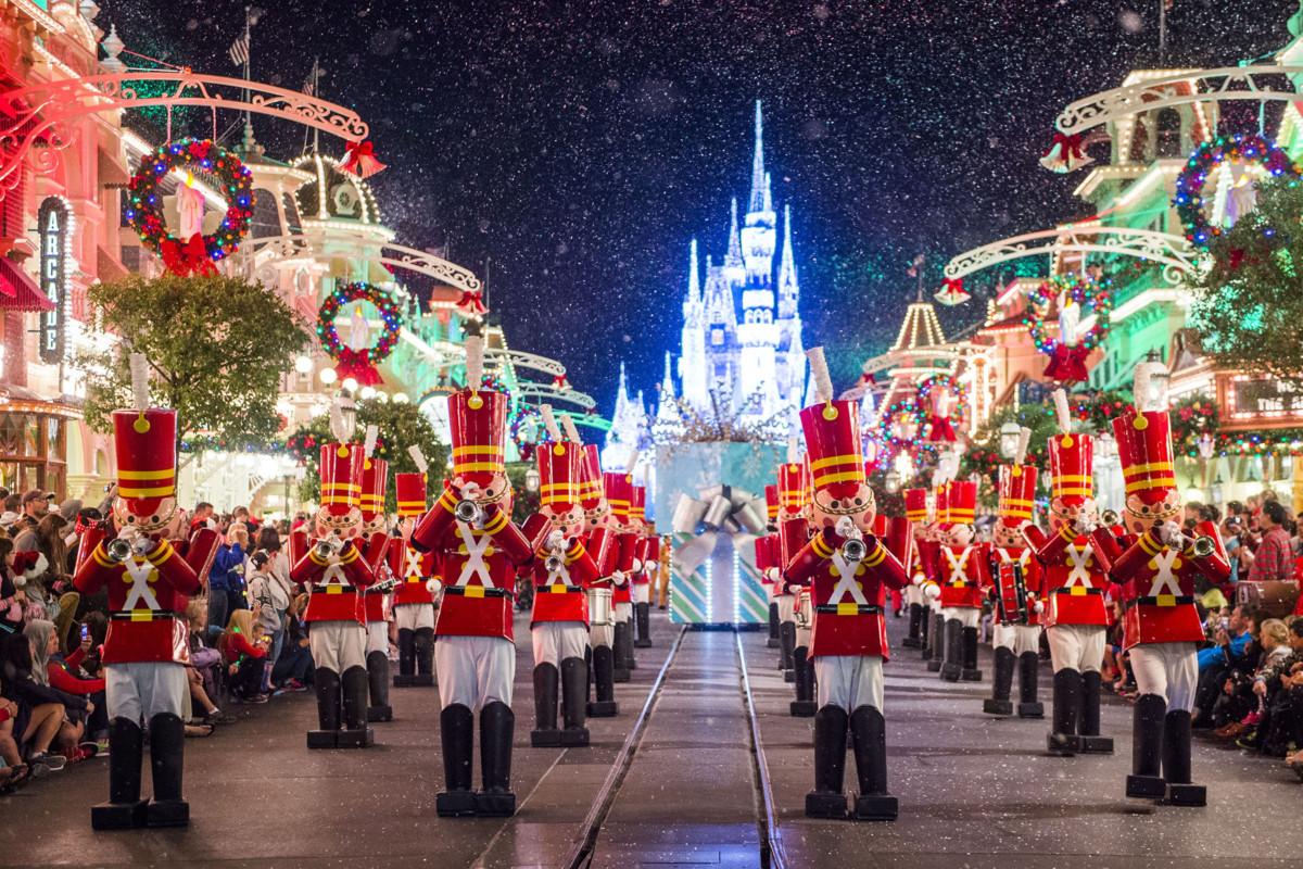 Mickey's Very Merry Christmas Parties