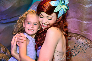 Celebrate National Handwriting Day by Adding Disney Character Signatures to your PhotoPass Photos 1