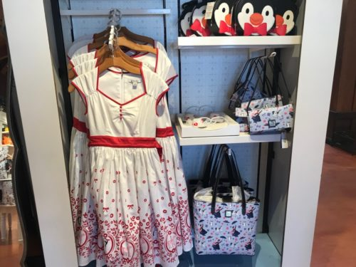 Practically Perfect Mary Poppins Themed Dress and Accessories! #DisneyStyle 1