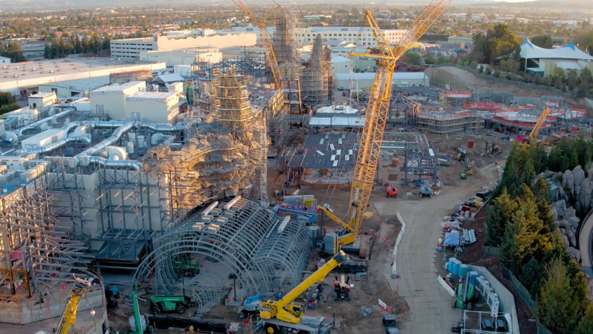 VIDEO: Flyover the Star Wars: Galaxy's Edge Construction Site 1