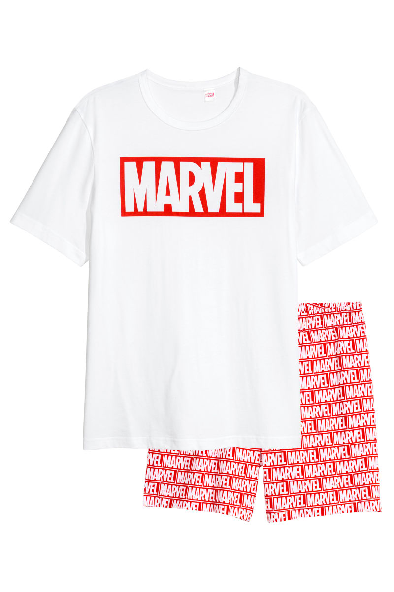 Disney Fun for the Whole Family at H&M! #DisneyStyle 9