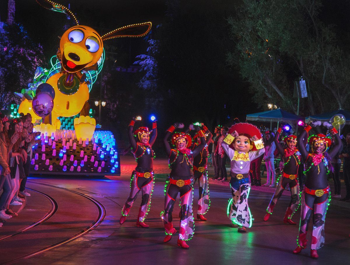 Sneak Peek at Limited-Time Food and Merchandise for Pixar Fest at Disneyland Resort 1