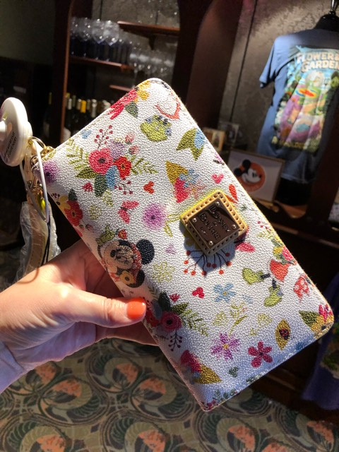 Merchandise Monday! See What's New at Disney Parks! 2