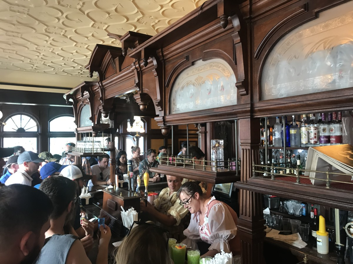 Try a Welsh Dragon from the Rose and Crown Pub, Epcot (recipe included) 2