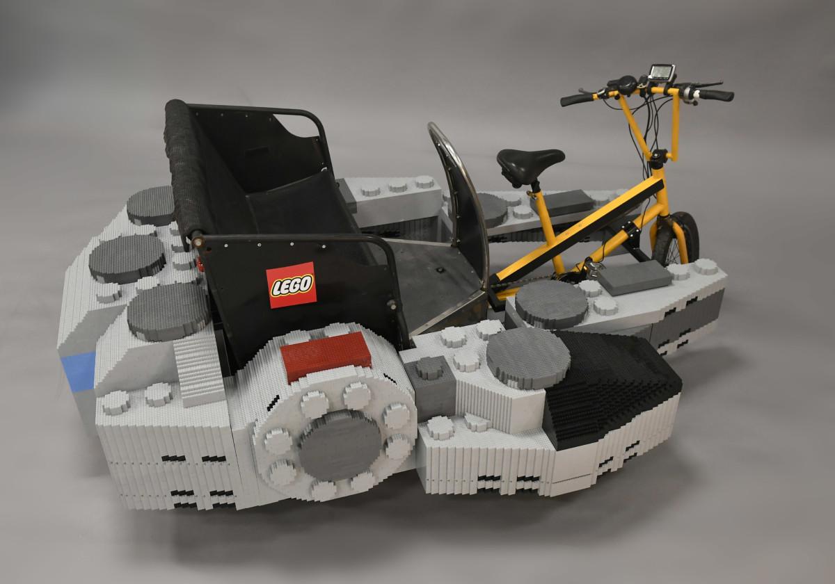 THE LEGO GROUP TAKES FLIGHT 2