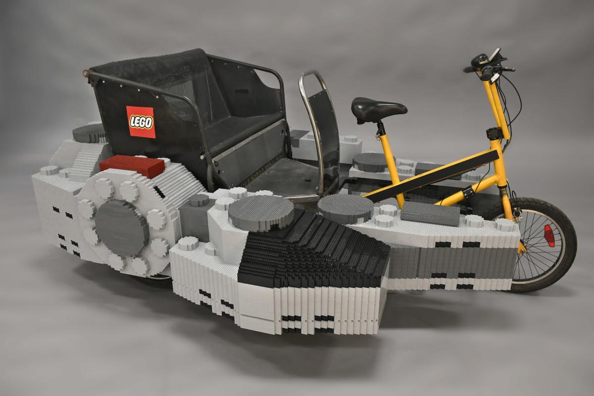 THE LEGO GROUP TAKES FLIGHT 5