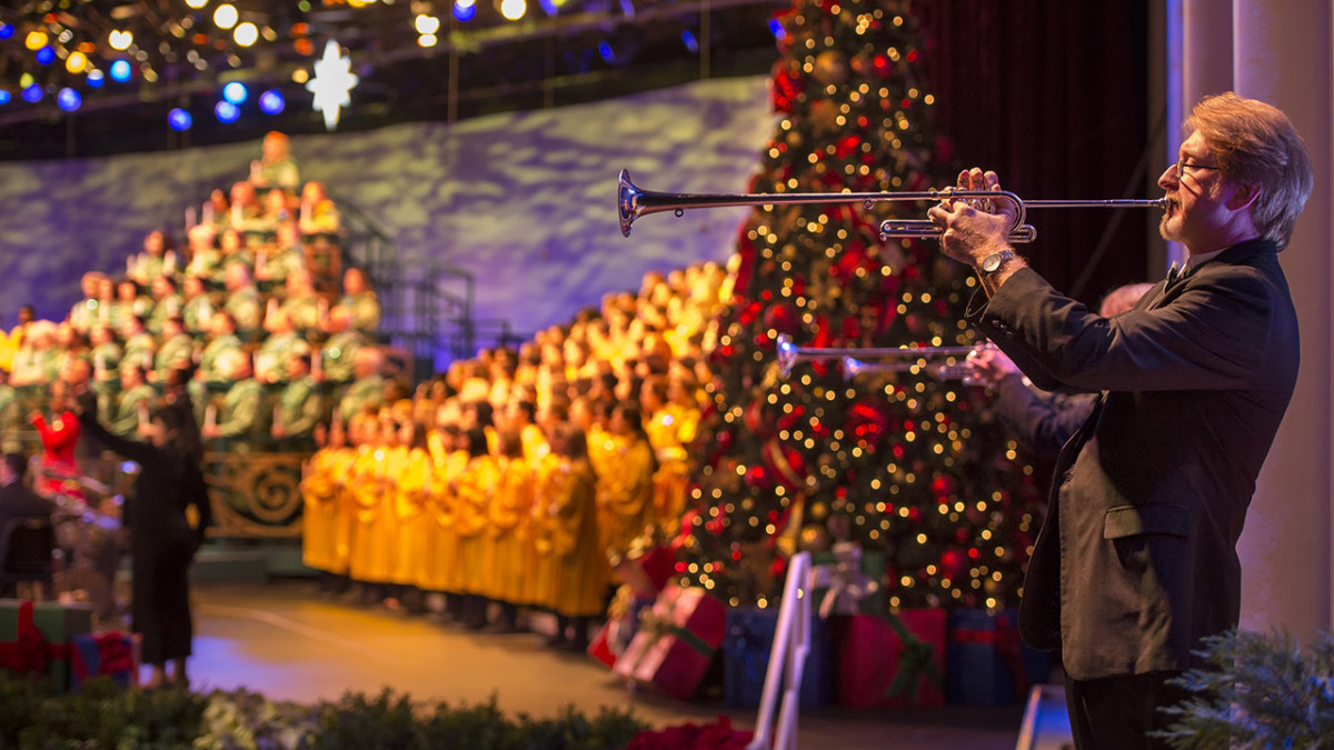 Candlelight Processional Narrators Announced for Select Dates During 2019 Epcot International Festival of the Holidays 1
