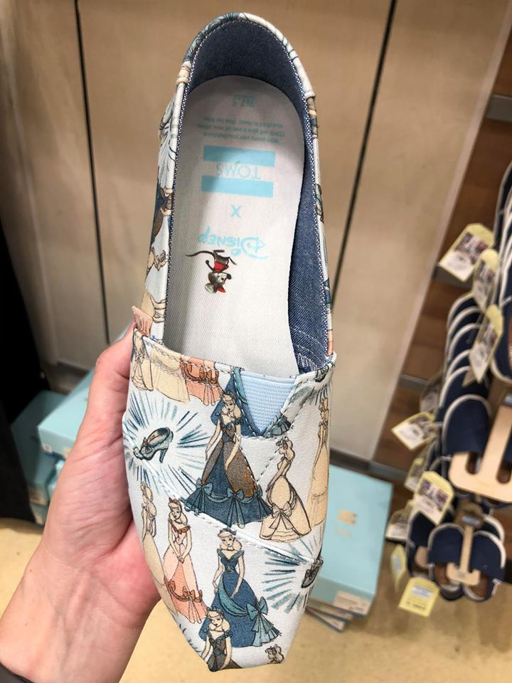 TMSM's Merchandise Monday ~ New Alex and Ani and Disney TOMS! #DisneyStyle 8
