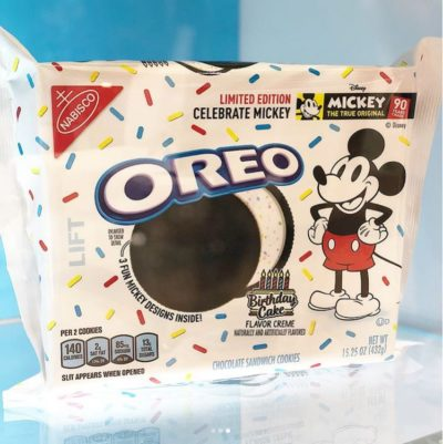 Oreo Limited-Edition Mickey Mouse Cookies! 5