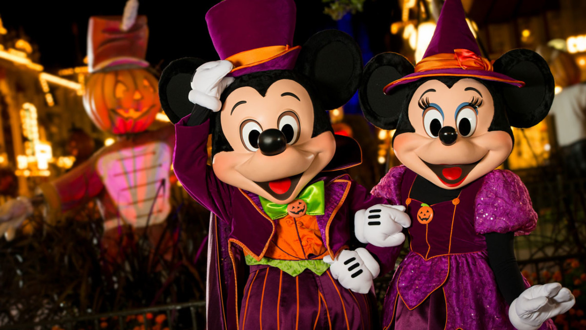 Moms Panel Monday: Tips for the Making the Most of Mickey's Not-So-Scary Halloween Party 11