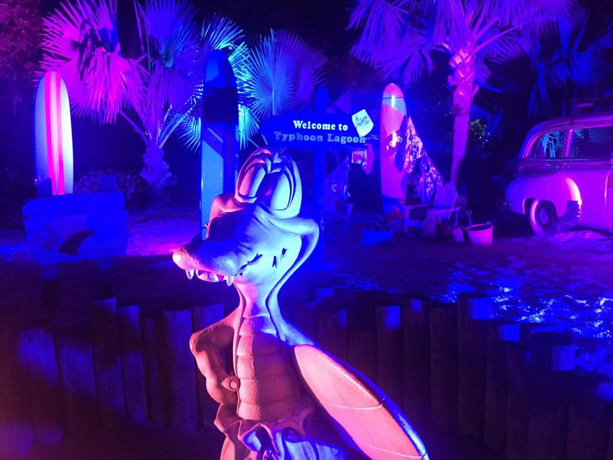 Our Evening at H2O Glow Nights, Typhoon Lagoon #DisneyH2OGlow 16