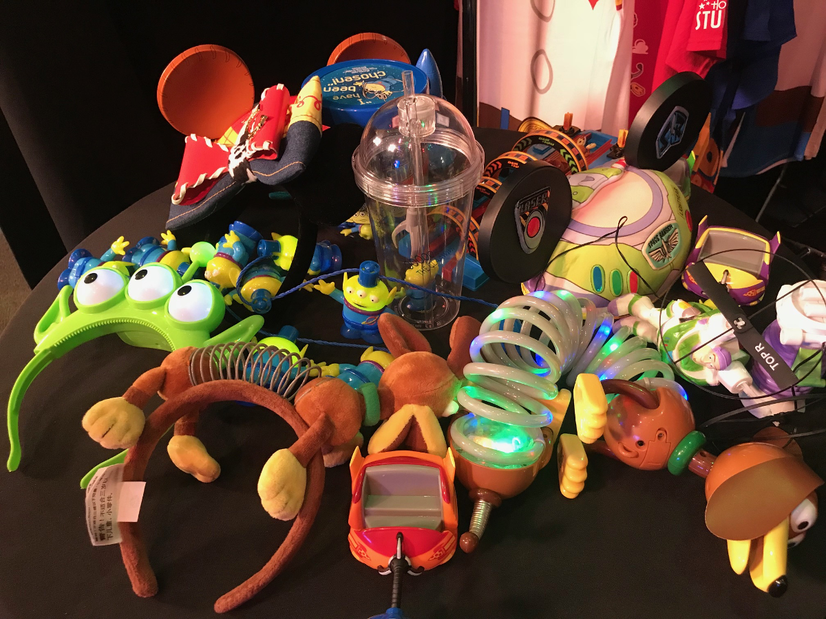 Video of the Merchandise and Some of the Food From Toy Story Land 33
