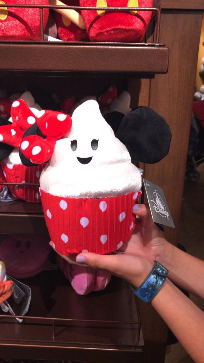 Merchandise Monday ~ Plush Disney Treats at Disney Parks! 4