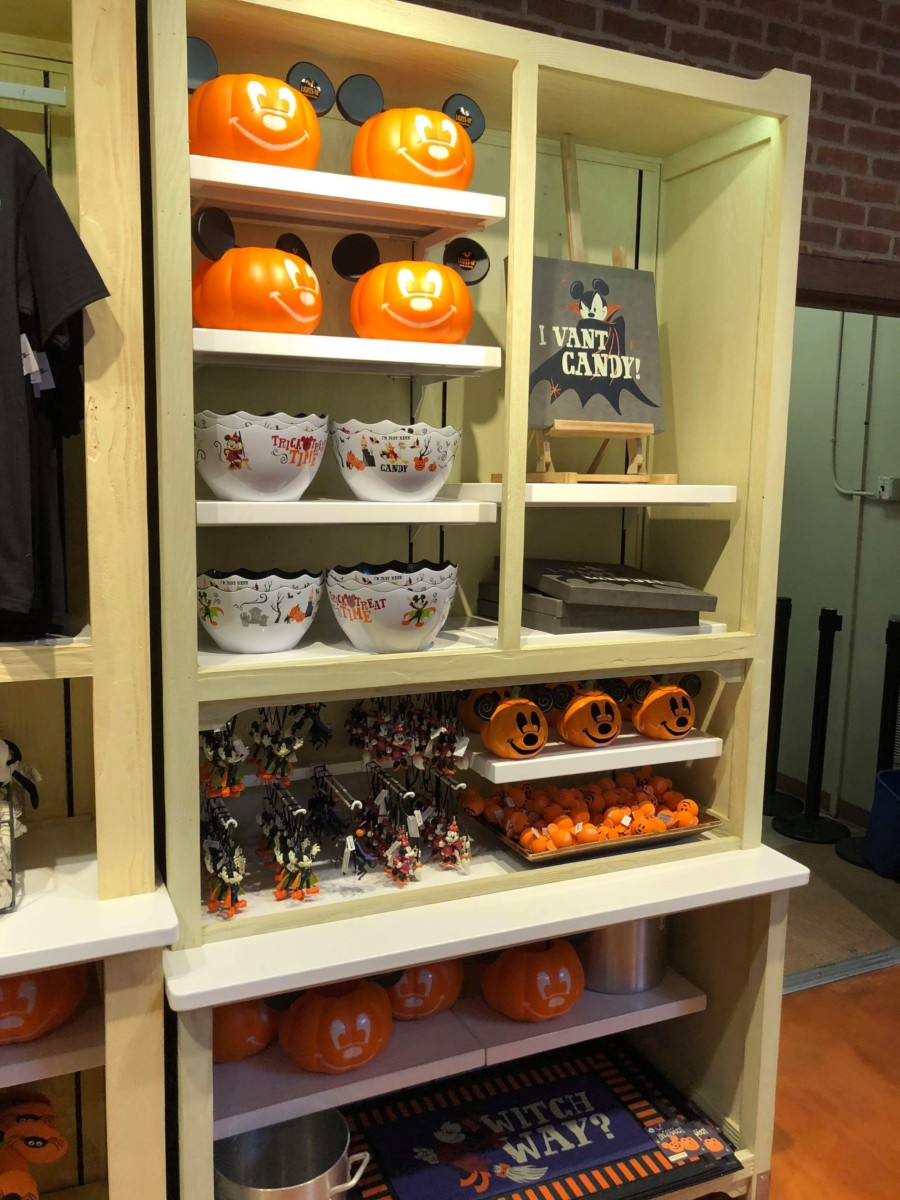 New Halloween Merchandise for the Home! #disneysprings 8