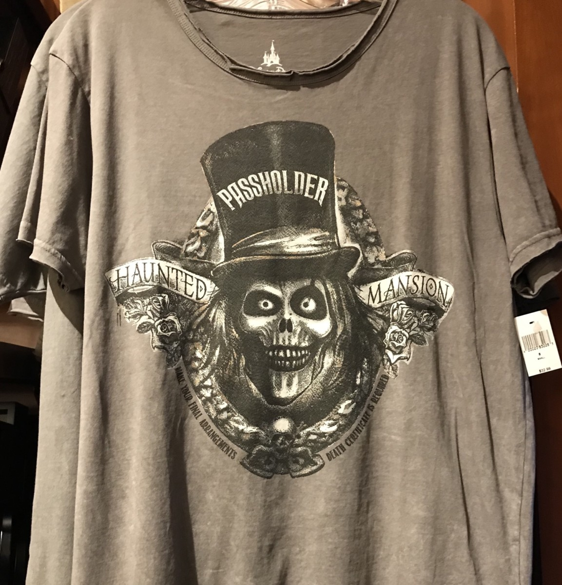 First Look! New Haunted Mansion Passholder Merchandise! 3