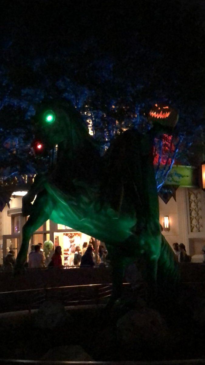 Disneyland Vs Disney World Who Does Halloween Better