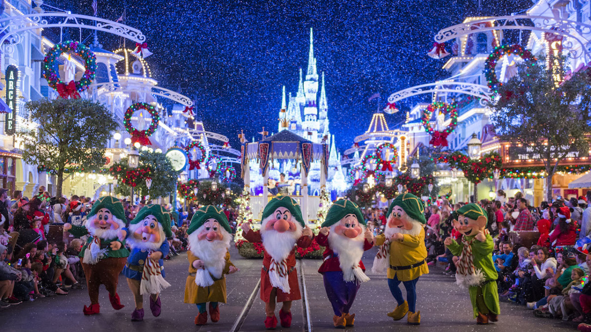 Top-Five Things You Must Do at Mickey's Very Merry Christmas Party 20