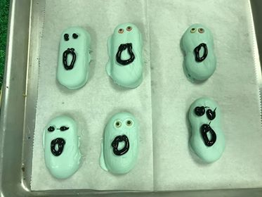 Grim Grinning Ghost Cookies! What a Treat! 4