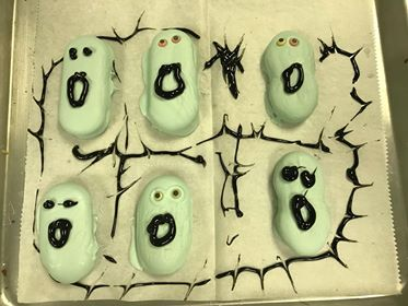 Grim Grinning Ghost Cookies! What a Treat! 11
