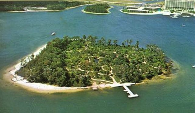 What's The Mysterious Island in Bay Lake? 4