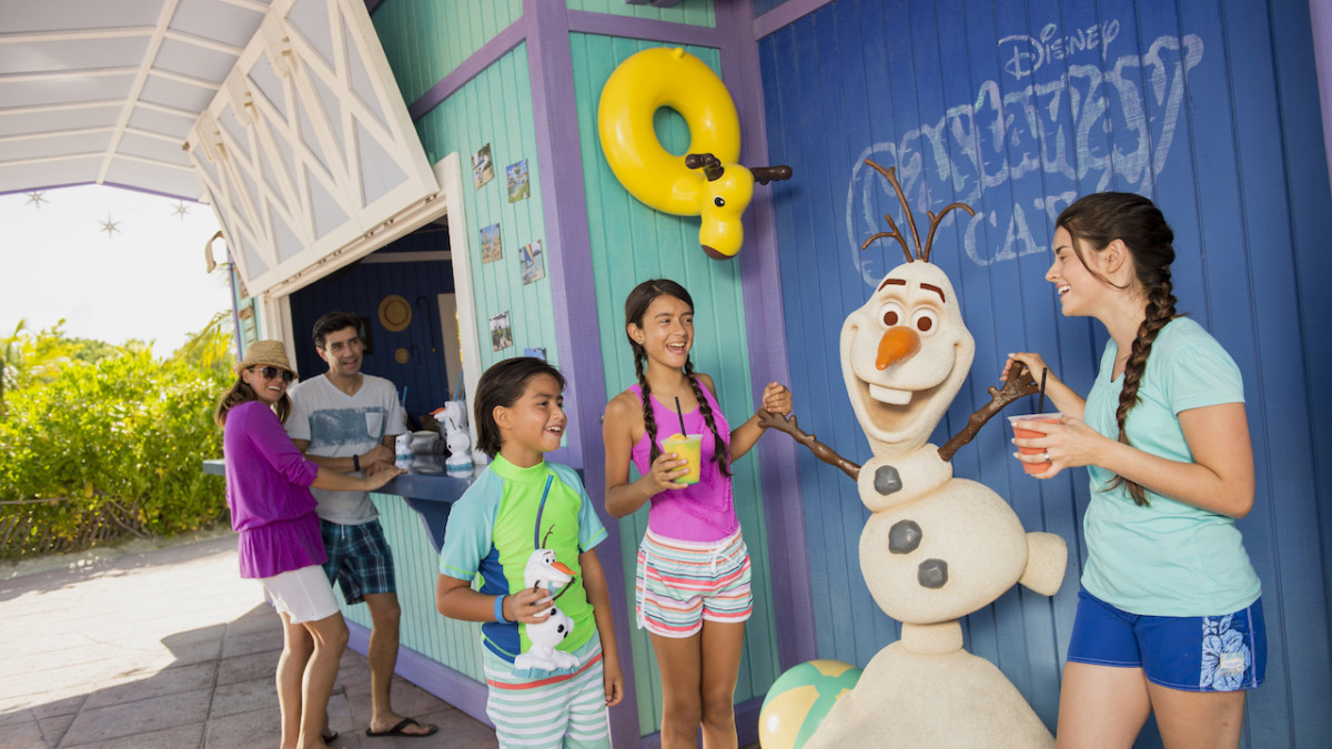 Family Enjoying Frozen Drinks at the Olaf-Inspired Summertime Freeze on Castaway Cay