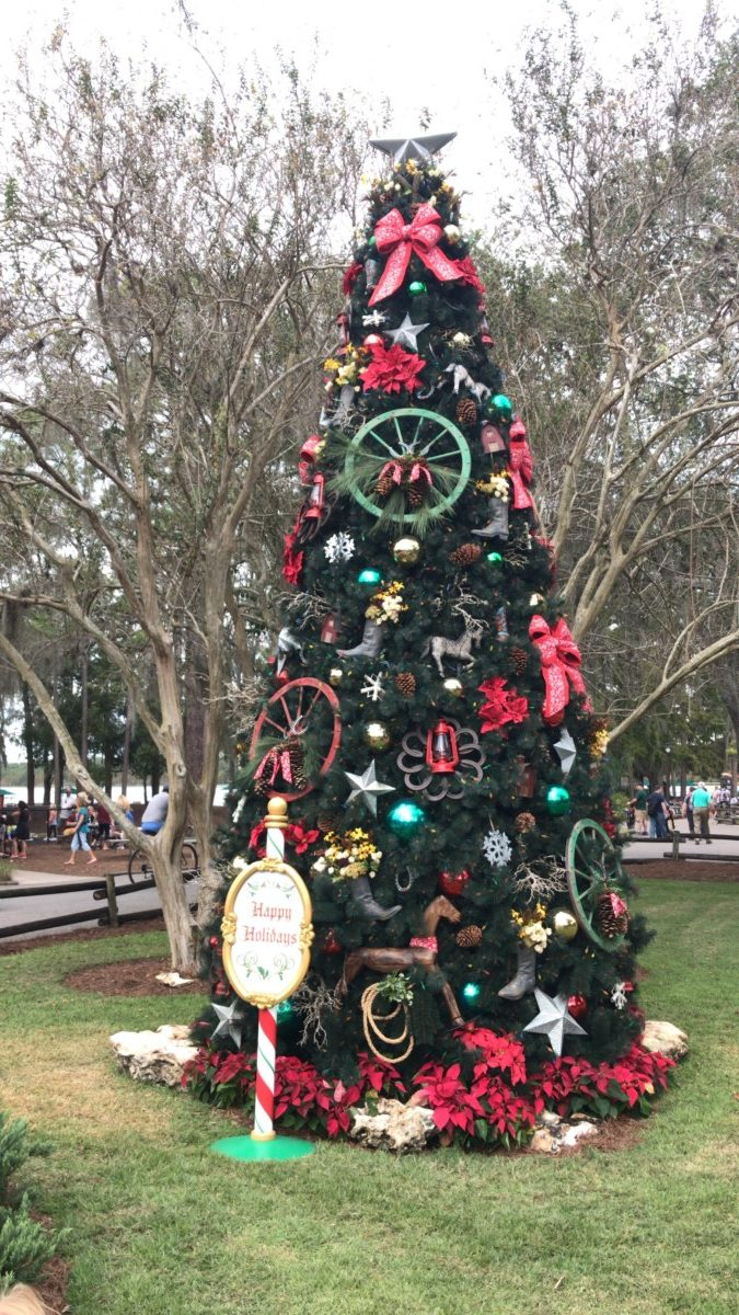Practicing Patience in the Parks this Holiday Season: Part 1 Dining Reservations 3