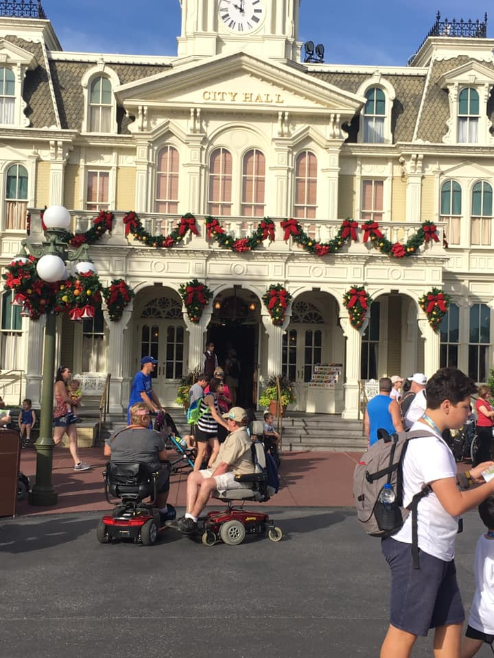 Christmas Decorations are Appearing at Magic Kingdom! 3