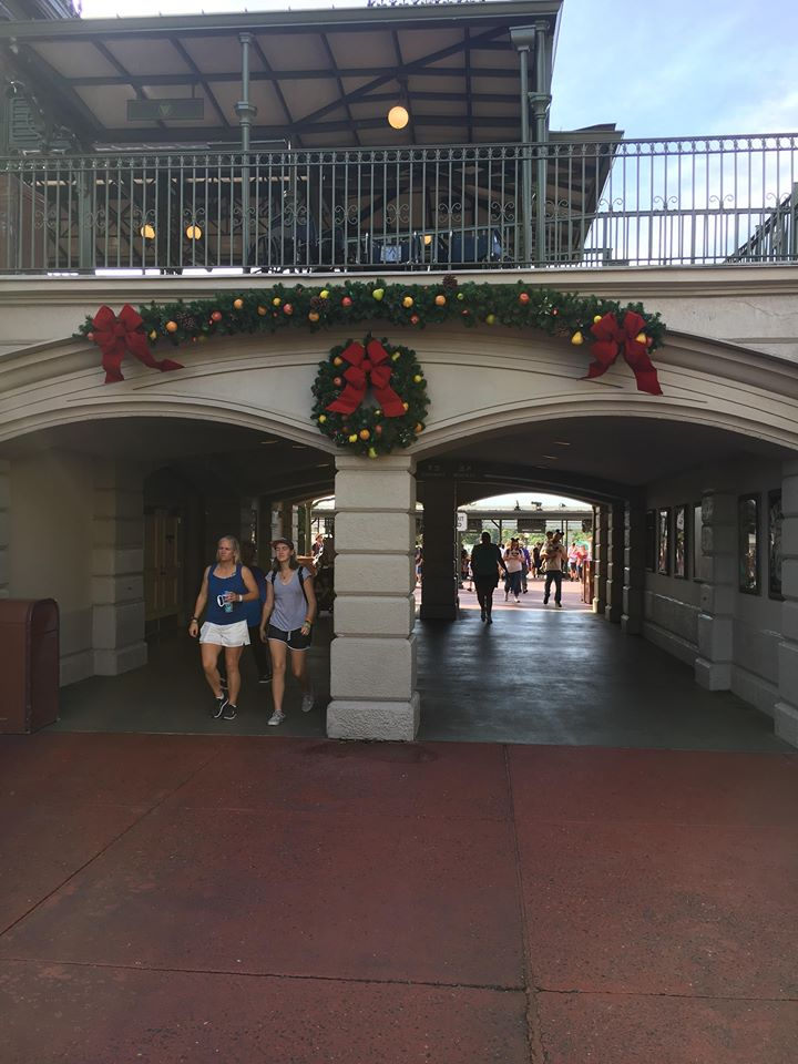 Christmas Decorations are Appearing at Magic Kingdom! 7