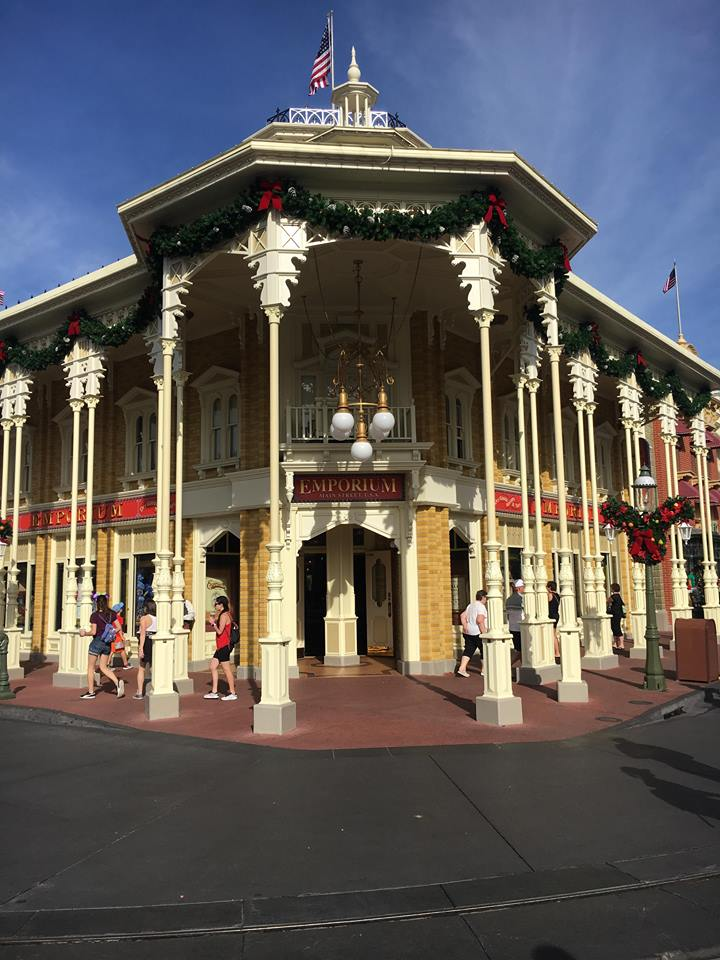 Christmas Decorations are Appearing at Magic Kingdom! 8