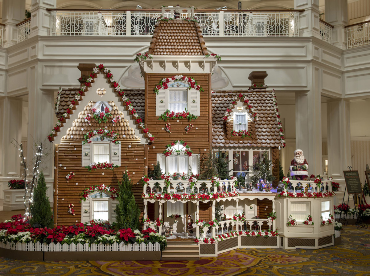 2018 Holiday Display at Disney's Grand Floridian Resort & Spa