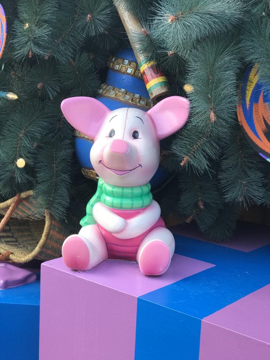 Holiday Decor at Animal Kingdom 5