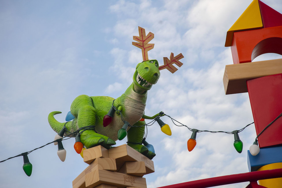 First Look: Toy Story Land Decorated For The Holidays 2