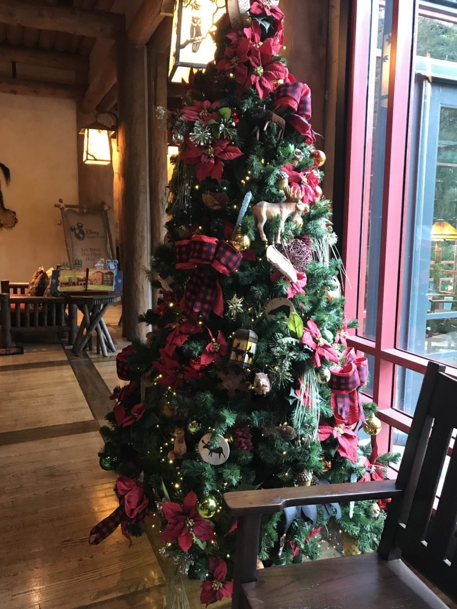 Holiday Decor at Wilderness Lodge 6