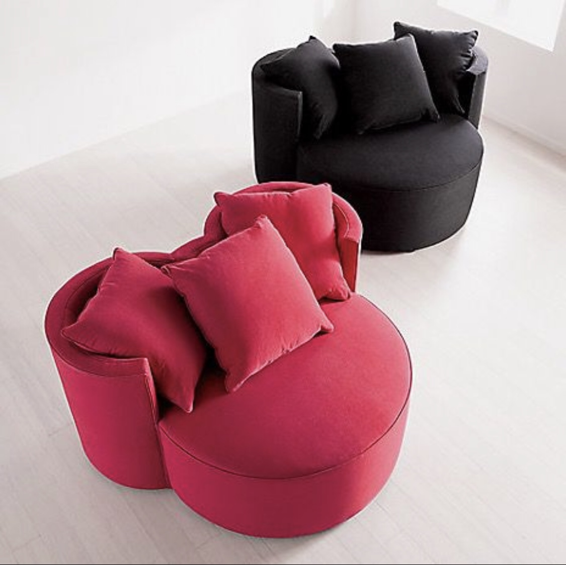 This Mickey Mouse chair is perfect for ANY Disney fan! 4