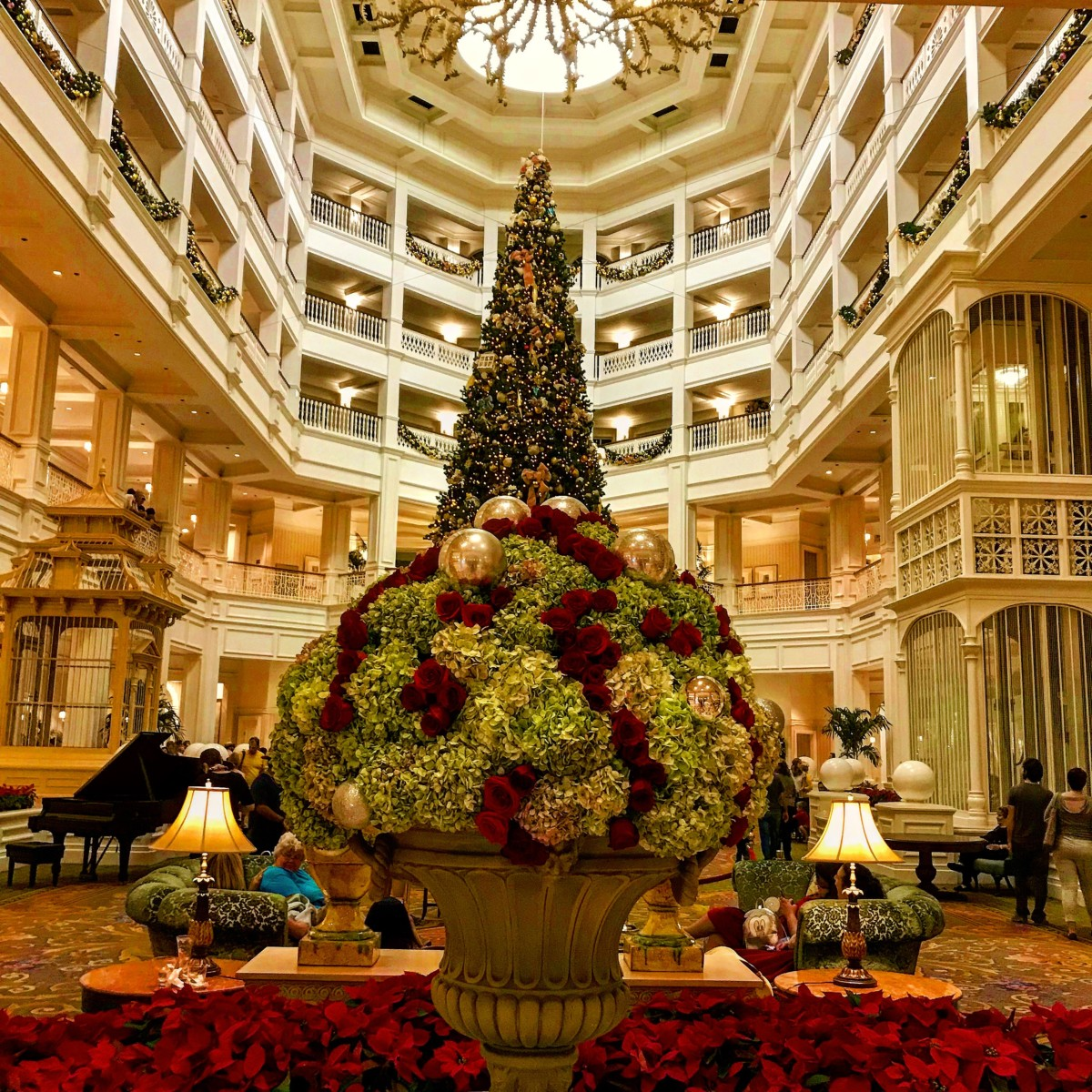 Holiday Decor at Disney's Grand Floridian Resort and Spa 2