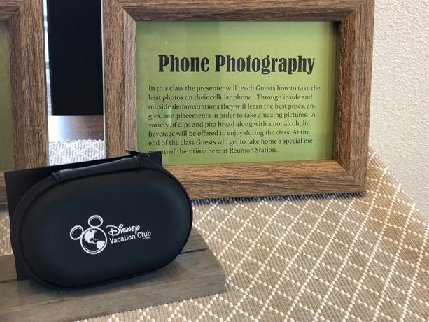 Learning to Capture Memorable Holiday Moments With Your Phone 1