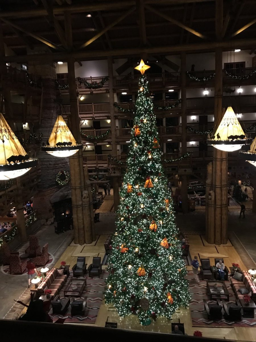 Holiday Decor at Wilderness Lodge 3