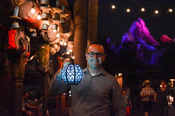 Take a Shine to Glowing Disney PhotoPass Props at Walt Disney World Resort 4