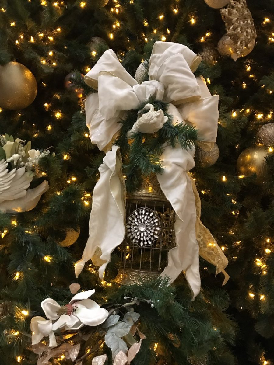 Holiday Decor at Disney's Grand Floridian Resort and Spa 4