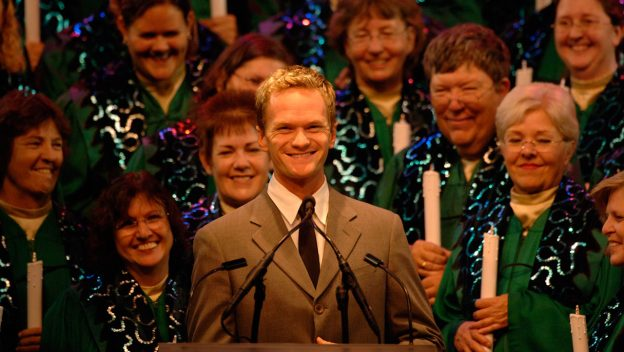 Join Disney's Livestream of the Candlelight Processional 1