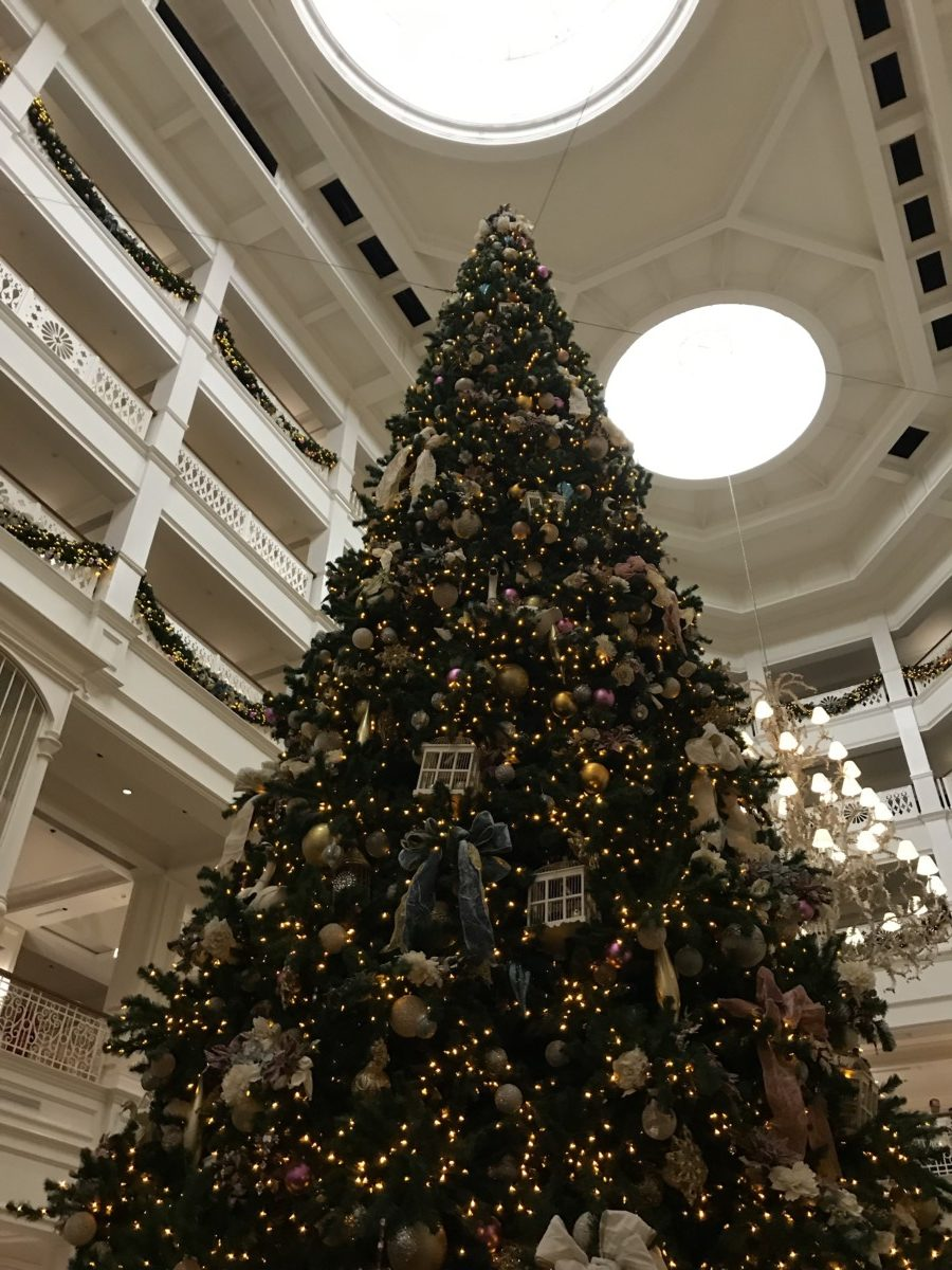 Holiday Decor at Disney's Grand Floridian Resort and Spa 3