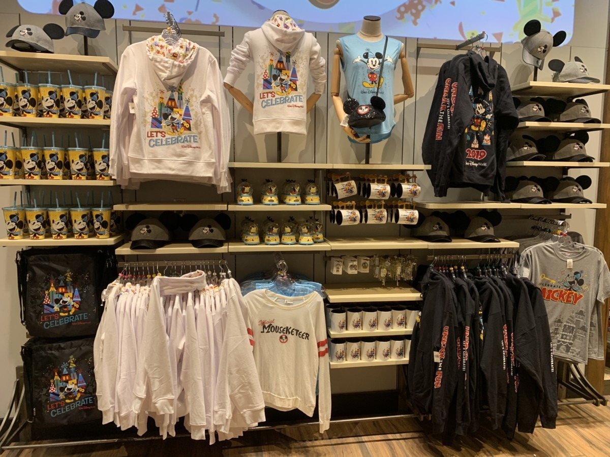 The newest Mickey's 90th merchandise out now! 11